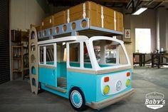 Candy Camper. Кровать изготовлена вручную по классическим формам Volkswagen Camper. Материал корпуса высокосортная березовая фанера. Покрашен по индивидуальному заказу. Качество и экологичность соответствует всем действующим европейским и Российским нормам и подтверждается сертификатами. #babysgarage #детскаякомната #кроватьмашинка #мебельназаказ #оригинальнаядетскаямебель #необычнаямебель  #эксклюзивнаядетскаямебель #натуральнаямебель #carbed #детскиетовары #детскаямебельмосква…