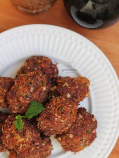 Bolinho de Carne Moída Assado. Receita fácil e rápida, além de saudável. Passo a passo completo em http://gordelicias.biz.
