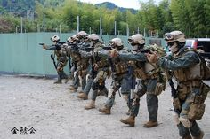 Military Photos, Military Police, Military Art, Special Forces Gear, Military Special Forces, Usmc Recon, Marsoc Marines, Army Training, Ancient Armor