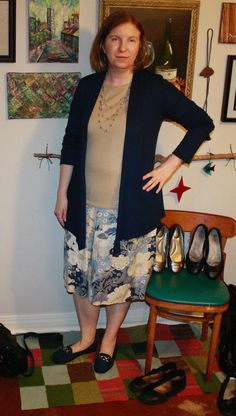 Untucked top, which is better? #Stitchfix navy cardigan with beige long sleeve top and blue-beige-off white pattern skirt. Ballet flats. (I didn't feel like taking stockings or tights on and off, so imagine them on my pale legs.)
