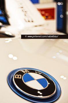 BMW. BMW i8, Híbrido, logotipo BMW, Enekuri Motor,  Foto:© Xabi Albizu