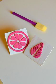 DIY Foam Stamps - Tattooed Martha I'm not exactly sure when foam sta. Foam Crafts, Diy And Crafts, Arts And Crafts, Paper Crafts, Tampons En Mousse, Foam Stamps, Stamp Carving, Fabric Stamping, Handmade Stamps