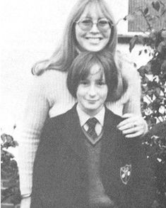 ♡♥Julian wit mom Cynthia Lennon - click on pic to see a larger pic♥♡