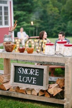 Yummy s'mores bar fall wedding ideas / http://www.himisspuff.com/fall-wedding-ideas-themes/4/
