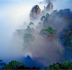 Dawning at Huang Shan