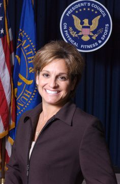 A portrait of Mary Lou Retton as a member of the President's Council on Physical Fitness and Sports, 2004. Personal information Full name	Mary Lou Retton Country represented	 United States Born	 January 24, 1968 (age 46) Fairmont, West Virginia Height	4 ft 9 in (1.45 m) Discipline	Women's artistic gymnastics Former coach(es)	Béla Károlyi, Márta Károlyi  Retired	1985 http://en.wikipedia.org/wiki/Mary_Lou_Retton