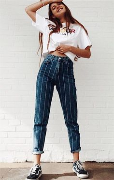 Casual look of the day | What to wear to college | How to wear striped pants | Women's fashion | OOTD | Summer Fashion Trends #women'sfashionstyleideas #womensfashionvintageinspiration