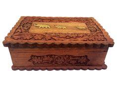 Caixa Decorativa em Madeira 18x13cm - Porta Objetos - http://www.artesintonia.com.br/caixa-decorativa-de-elefante-18x13cm-porta-objetos