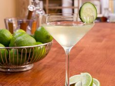 Classic Gin Gimlet recipe from Geoffrey Zakarian via Food Network. Modified to: 2 shots gin, 1 shot lime juice, shot simple syrup, shot water. Gimlet Recipe, Basil Gimlet, Classic Cocktails, Fun Cocktails, Summer Drinks, Fun Drinks, Alcoholic Beverages, Cocktails, Schnapps