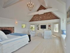 Tour Katharine Hepburn Family Estate -  Fabulous bedroom, love everything about it