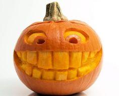 halloween-kurbis-schnitzen-vorlagen-lustiges-gesicht-zaehne-laecheln