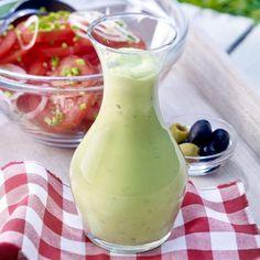 Zobrazenie receptu Avokádovo-olivový dresing Vinaigrette, Avocado, Foods With Gluten, Healthy Options, Guacamole, Gluten Free, Chips, Canning, Tableware