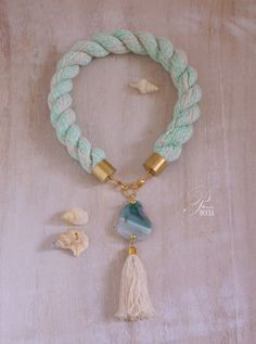 Statement rope necklace with green mint agate
