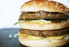 Vegan Big Mac – With Legendary Sauce Vegan Mcdonalds, Mcdonalds Recipes, Vegan Big Mac Recipe, Chili Cheese Burger, Big Mac Ingredients, Make Your Own Burger, Veggie Recipes, Cooking Recipes, Veggie Food
