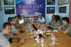 Tribratanewsmagelangkota.com - Kepala Kepolisian Resor Magelang Kota Ajun Komisaris Besar Polisi Edi Purwanto SIK MH melalui para Kapolsek