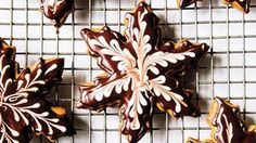 Pastry chef Romina Rasmussen demonstrates how to decorate delicious holiday cookies.