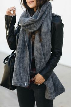 My Fall Style Guide - Andee Layne Scarf My Fall Style Guide - Andee Layne Mode Outfits, Casual Outfits, Fashion Outfits, Style Fashion, Scarf Outfits, Fall Winter Outfits, Autumn Winter Fashion, Winter Scarf Outfit, Moda Rock