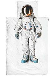 Wer hat als Kind nicht von Lichtschwertern und Raumschiffen geträumt? Die Bettwäsche Astronaut lässt alle jungen Entdecker von weit entfernten Galaxien träumen. Wenn unsere Erde zu eng ist, dann mu…
