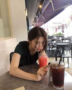 cute girl ulzzang 얼짱 hot fit pretty kawaii adorable beautiful korean japanese asian soft grunge aesthetic 女 女の子 g e o r g i a n a : 人 Ulzzang Korean Girl, Cute Korean Girl, Asian Girl, Korean Photography, Girl Photography, Korean Aesthetic, Aesthetic Girl, Korean Beauty Girls, Bts Aesthetic Pictures