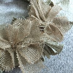 The easiest & fastest, most gorgeous Burlap Rag Wreath, ever! Easy Burlap Wreath, Sunflower Burlap Wreaths, Burlap Garland, Burlap Crafts, Burlap Flowers, Faux Flowers, Diy Wreath, Fabric Flowers, Burlap Decorations
