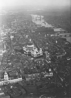 Looking east across (The City), meaning the original medieval walled city towards St. Paul's Cathedral and The Tower of London. London Pictures, London Photos, Old Pictures, Old Photos, Vintage Photos, Antique Photos, Victorian London, Vintage London, Old London