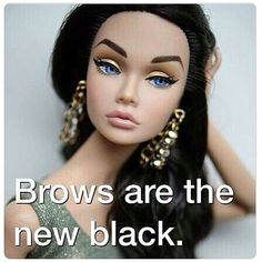 As eyebrows are the frames for the eyes, make sure your eyebrows are perfectly groomed.