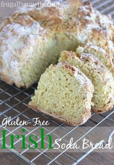 My whole family loves this crusty, rustic gluten free irish soda bread. Such a great, easy-to-make addition to a soup or chili based meal! Gluten Free Baking, Gluten Free Recipes, Bread Recipes, Gluten Free Irish Soda Bread Recipe, Paleo Baking, Savoury Recipes, Yummy Recipes, Dinner Recipes, Pan Sin Gluten