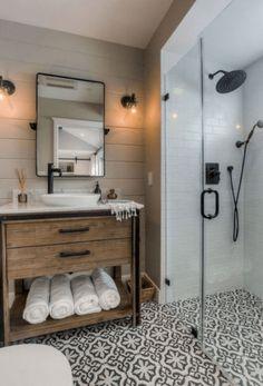 60 Rustic Master Bathroom Remodel Ideas – Home Design New Bathroom Ideas, Bathroom Trends, Diy Bathroom Remodel, Shower Remodel, Budget Bathroom, Bathroom Mirrors, Bathroom Lighting, Bathroom Closet, Bathroom Showers