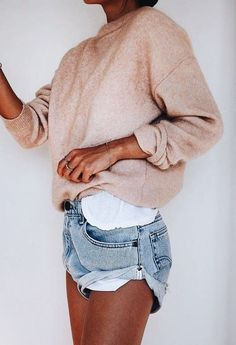 spring outfit of the day | blush cashmere top and denim shorts