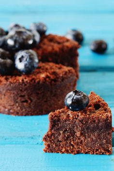 Mini tortina al cacao senza glutine e mirtilli