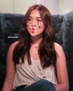 Kathryn Bernardo Photoshoot, Filipina Actress, Daniel Padilla, Realistic Drawings, Celebs, Celebrities, Grunge Outfits, Chanyeol, Joseph