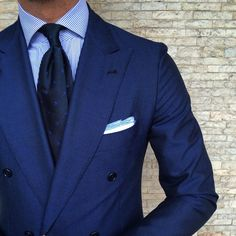 "violamilano:  Classic handrolled 6-fold ""Grenadine Dots - Blue"" tie & handrolled ""Navy Border"" Linen pocket square.  Find it online at www.violamilano.com  #vm #violamilano #handmade #madeinitaly #luxury #essentials #timeless #classic #mensstyle #sartorial"