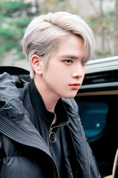 The boyz Younghoon Grey Hair Kpop, Kpop Hair Color, Cute Boy Pic, Cute Boys, Kim Sun, Bleached Hair, Arte Pop, K Idol, Kpop Boy