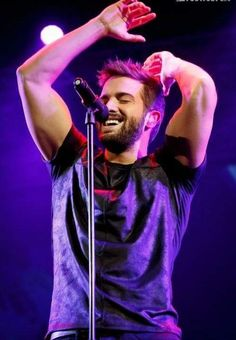 . @pabloalboran se está disfrutando y de que manera el #TourTerralMalaga Beautiful Men Faces, Beautiful Boys, Gorgeous Men, Beautiful People, Girls Talk Boys, Jake Miller, Perfect Boyfriend, Awesome Beards, Bikini Images