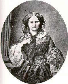 Großherzogin Mathilde Karoline von Hessen und bei Rhein, geborene Prinzessin von Bayern, Tochter von König Ludwig I. und Prinzessin Therese von Sachsen-Hildburghausen.