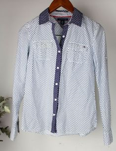 c1a181a8935 TOMMY HILFIGER Ladies - Size XS - Patterned Collared Button Up Shirt Top   TommyHilfiger