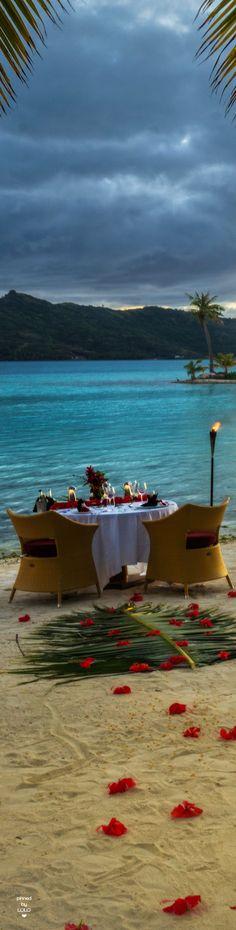 Beach Dining | Bora Bora #dreamvacay #borabora