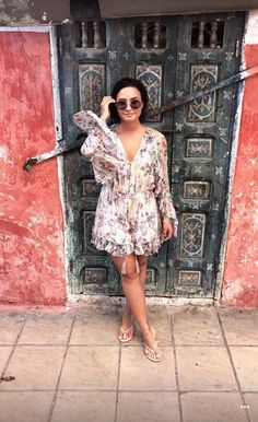 Demi Lovato is wearing a floral dress is Morocco with nude Flip Flops. Nude Flip Flops, Divas, Demi Lovato Style, Demi Love, Concert Fashion, Celebs, Celebrities, Miley Cyrus, Celebrity Style