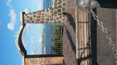 Ogni amore ha la sua panchina. il mare di Napoli, estate 2014, summer, kiss, first kiss