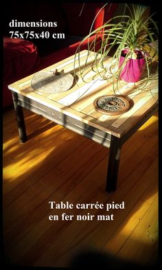 table basse carrée bicolore, avec pied en fer, noirs brut. 140$ #diy #palet #palette #bois #wood #woodwork #atelier #studio #Montréal #tools #outils