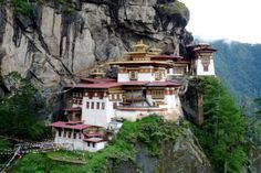 Nepal Tibet Bhutan tour visits the popular tour destinations of the Himalayas. 21 day tour includes drive to Everest North base camp in Tibet and hike to Tiger's nest (Taktsang) monastery in Bhutan and Chitwan and Pokhara in Nepal. Bhutan, Wonderful Places, Beautiful Places, Amazing Places, Picnic Spot, Exotic Places, World Best Photos, Travel Deals, Kirchen