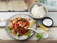 Unser Rezept für vegetarisches Blumenkohl-Curry ist schnell zubereitet - und nicht nur lecker, sondern auch kalorienarm.