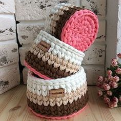 Tips for making Crochet baskets Crochet Case, Crochet Box, Crochet Amigurumi, Crochet Round, Crochet Gifts, Knitting Needle Storage, Crochet Storage, Loom Knitting, Knitting Needles