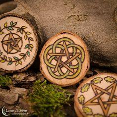 """Talismans d'autel en bois brut d'inspiration païenne - """"Earth Witchery"""""""
