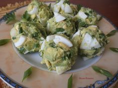 Кулинарни изкушения с Нели: Салата с варени яйца и авокадо
