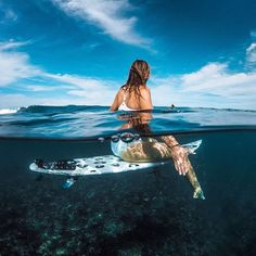@BiancaBuitendag scopes out the Sunday #surf with #GoProFamily member @chrisrogersza. Who got wet this weekend?