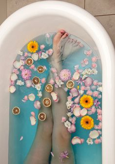Product Photography for LUSH Cosmetics - I wish I was in this bath right now!