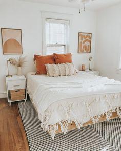 Home Interior Design .Home Interior Design Room Ideas Bedroom, Home Bedroom, Bedroom Inspo, Bedroom Neutral, Apartment Bedroom Decor, Teen Apartment, Modern Boho Master Bedroom, Dorm Room Themes, Home Decor Bedding