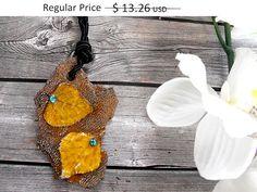 30% OFF SUMMER SALE/Leaf Golden Necklace leaf pendant por FamDdaear