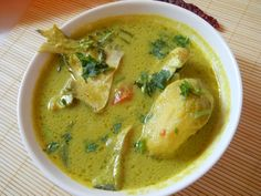 Pomfret Curry Goan Style recipe with step by step photos. This Pomfret Curry Goan Style is a green curry. Simply amazing and tastes best. Goan Recipes, Veg Recipes, Curry Recipes, Seafood Recipes, Cooking Recipes, Recipies, Whole30 Recipes, Indian Fish Recipes, Fried Fish Recipes